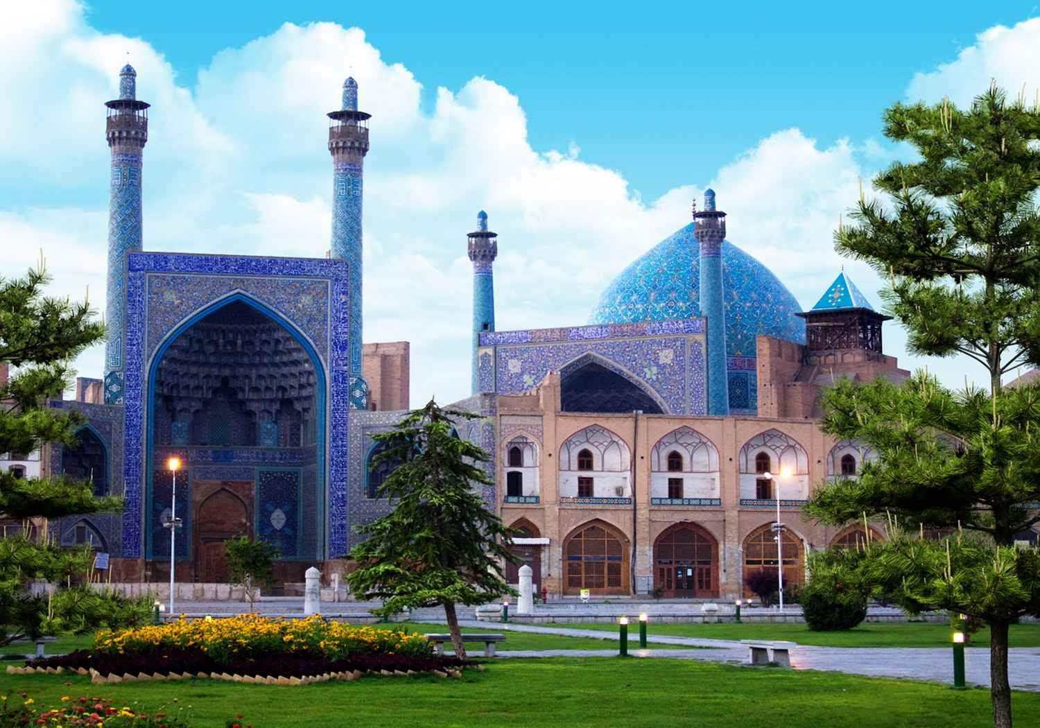 http://www.ancientcity.ru/images/stories/newcities01/01/09/isfahan.jpg
